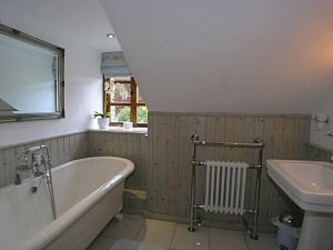 bathroom of this self catering snowdonia wales